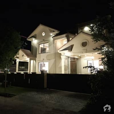 House Is Available For Sale  In F-7