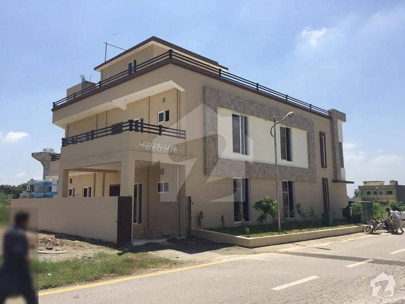 ایف ۔ 17/2 ایف ۔ 17 اسلام آباد میں 7 کمروں کا 14 مرلہ مکان 2.7 کروڑ میں برائے فروخت۔