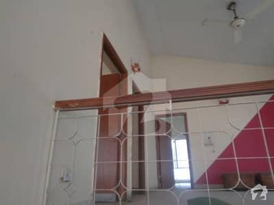 جی ۔ 7/4 جی ۔ 7 اسلام آباد میں 5 کمروں کا 1 کنال مکان 1.8 لاکھ میں کرایہ پر دستیاب ہے۔