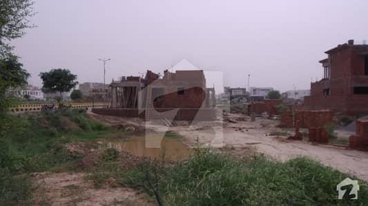 ڈی ایچ اے فیز 6 - بلاک ایم فیز 6 ڈیفنس (ڈی ایچ اے) لاہور میں 1 کنال رہائشی پلاٹ 5.5 کروڑ میں برائے فروخت۔