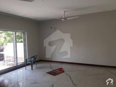 ایف ۔ 8 اسلام آباد میں 7 کمروں کا 1 کنال مکان 16 کروڑ میں برائے فروخت۔