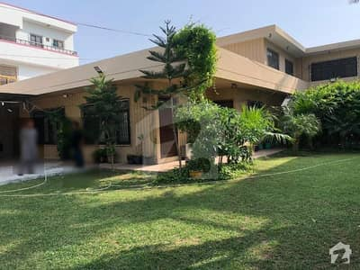 1000 Sq Yards Renovated House For Sale In GulshaneIqbal  Block 4