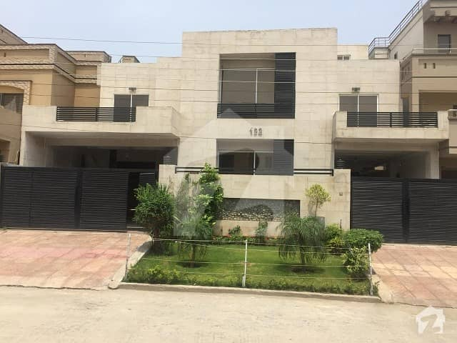 1 Kanal House For Sale At Park Road