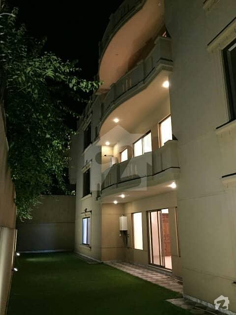 ایف ۔ 7/2 ایف ۔ 7 اسلام آباد میں 5 کمروں کا 1 کنال مکان 15.75 کروڑ میں برائے فروخت۔