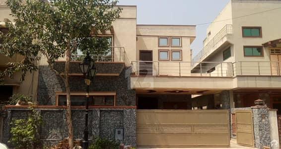 بحریہ ٹاؤن ۔ سفاری ولاز بحریہ ٹاؤن راولپنڈی راولپنڈی میں 4 کمروں کا 11 مرلہ مکان 2.5 کروڑ میں برائے فروخت۔