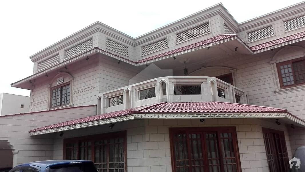 ڈی ایچ اے فیز 4 ڈی ایچ اے کراچی میں 7 کمروں کا 1.84 کنال مکان 13.25 کروڑ میں برائے فروخت۔