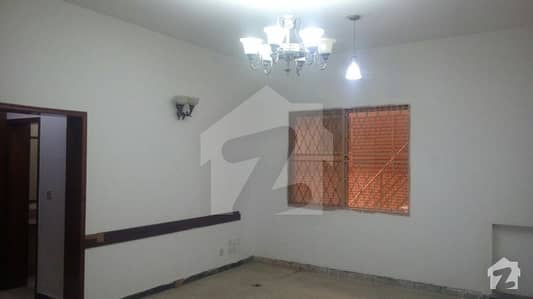 42 Marla Old House For Sale In Main Cantt