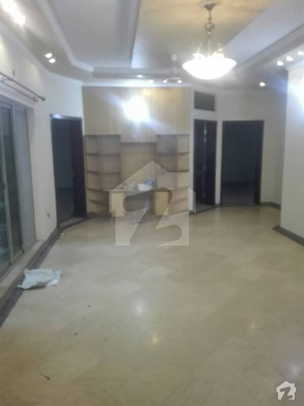 1 Kanal Facing Park Double Unit House For Rent