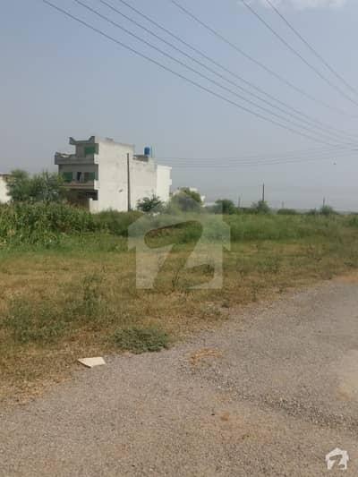 گلبرگ اپیکس بزنس ایونیو گلبرگ اسلام آباد میں 1 کمرے کا 2 مرلہ فلیٹ 43 لاکھ میں برائے فروخت۔
