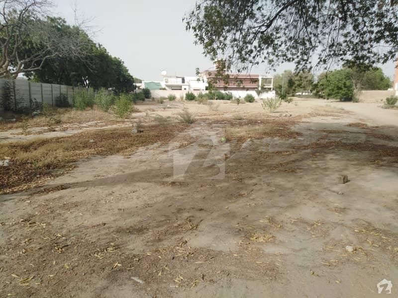 گلشنِ معمار گداپ ٹاؤن کراچی میں 6.4 کنال کمرشل پلاٹ 14 کروڑ میں برائے فروخت۔