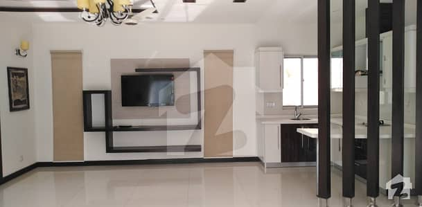 1 KANAL FULL HOUSE WITH BASEMENT FOR RENT