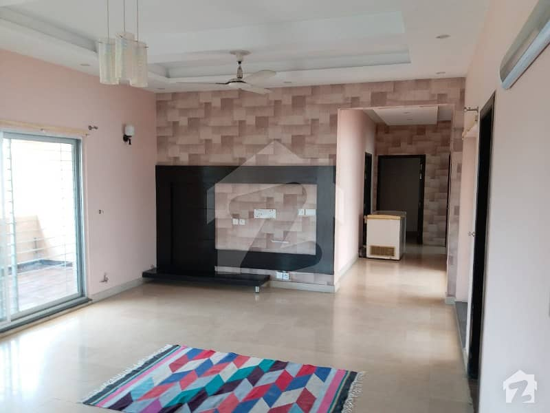 1 Kanal Independent Separate Gate Upper Portion Available For Rent