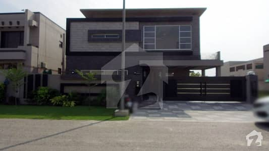 1 Kanal Bungalow Is Available For Sale At Top Location
