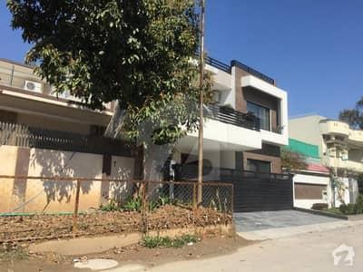 جی ۔ 8/1 جی ۔ 8 اسلام آباد میں 1. 07 کنال عمارت 26 کروڑ میں برائے فروخت۔