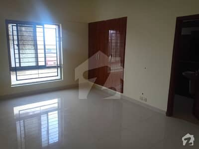 4 bed appartment for rent