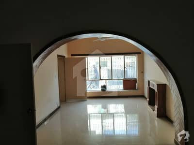 جی ۔ 6/1 جی ۔ 6 اسلام آباد میں 5 کمروں کا 8 مرلہ مکان 1. 3 لاکھ میں کرایہ پر دستیاب ہے۔