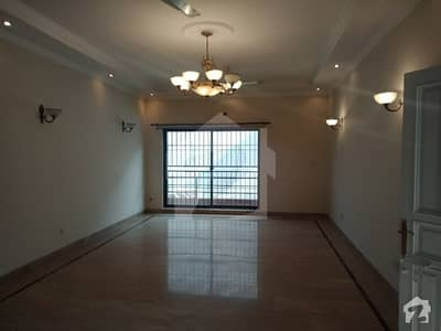 Defence One Kanal Upper Portion Separate  Gate For Rent In Dha Lahore