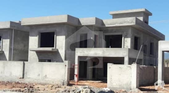 Grey Structure House Is For Sale In  Phaf Officers Residencia