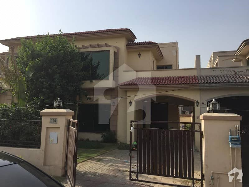 12 MARLA ZAMIN CONSTRUCTED HOUSE AVAILABLE FOR SALE