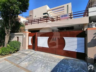 Syed Brothers Offer 10 Marla Beautiful Bungalow For Rent In Dha Phase 4 Lahore