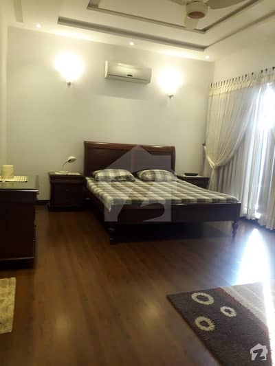 Defence 1 Kanal Facing park Lower Portion For Rent Phase 3