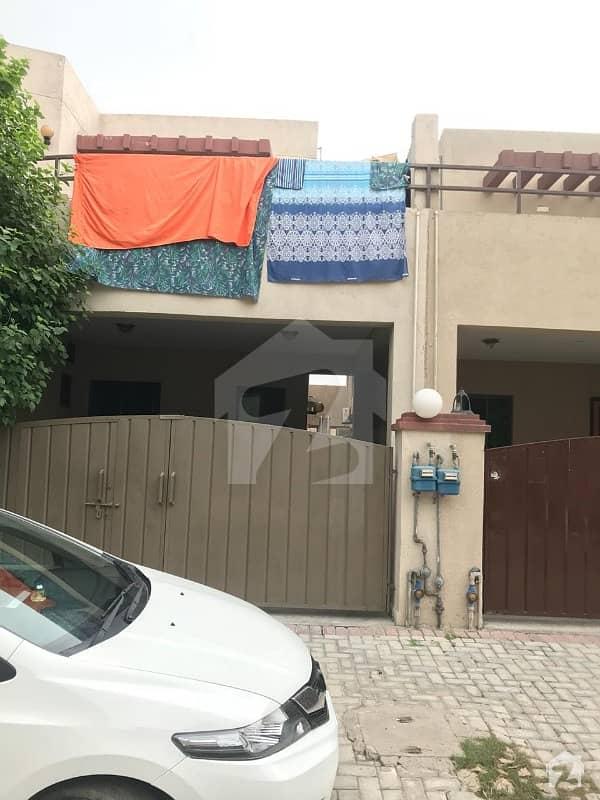 عسکری 10 - سیکٹر سی عسکری 10 عسکری لاہور میں 5 کمروں کا 10 مرلہ مکان 2.65 کروڑ میں برائے فروخت۔
