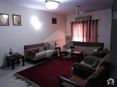 ایف ۔ 10 اسلام آباد میں 3 کمروں کا 12 مرلہ فلیٹ 2.2 کروڑ میں برائے فروخت۔