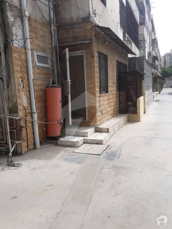 کلفٹن ۔ بلاک 3 کلفٹن کراچی میں 2 کمروں کا 7 مرلہ فلیٹ 3.2 کروڑ میں برائے فروخت۔
