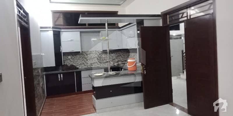 گلستانِِ جوہر ۔ بلاک 12 گلستانِ جوہر کراچی میں 2 کمروں کا 5 مرلہ مکان 90 لاکھ میں برائے فروخت۔