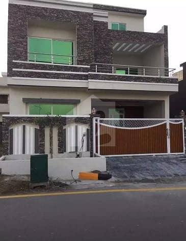 Double storey 8 Marla House Available for Sale