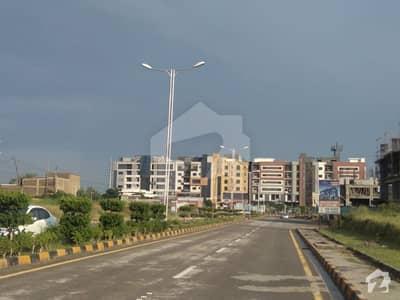 ایف ۔ 8 مرکز ایف ۔ 8 اسلام آباد میں 5 کنال رہائشی پلاٹ 5 کروڑ میں برائے فروخت۔
