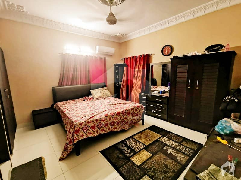 4 Beds Bungalow For Sale With Servant Room Luxury Style In Block 8