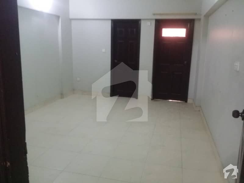 1800 SQ FIT 1ST FLOOR APARTMENT 3 BED DD WEST OPEN