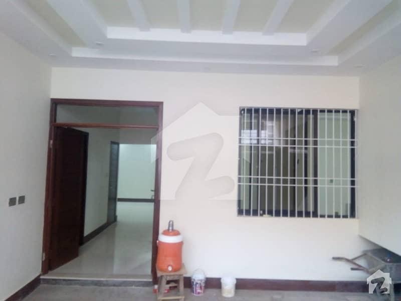 سندھ بلوچ ہاؤسنگ سوسائٹی گلستانِ جوہر کراچی میں 6 کمروں کا 8 مرلہ مکان 2.9 کروڑ میں برائے فروخت۔
