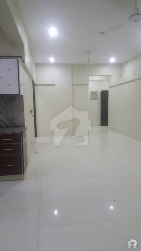 Slightly Used 1700 Square feet 3 bedrooms Apartment DD, Parking and Lift Stand by Generator available for Rent.
