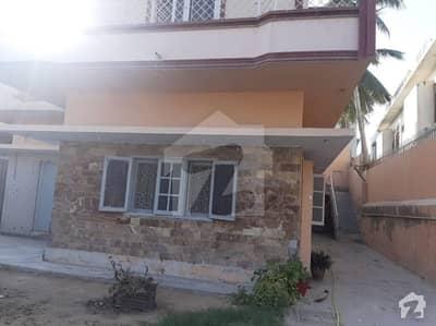 نارتھ ناظم آباد ۔ بلاک ایف نارتھ ناظم آباد کراچی میں 6 کمروں کا 19 مرلہ مکان 5 کروڑ میں برائے فروخت۔