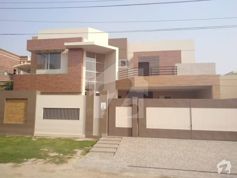 1 Kanal New House Available For Sale