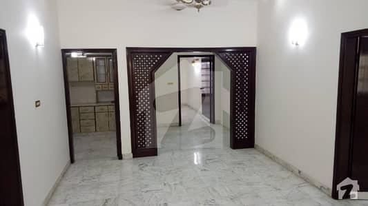 ڈی ایچ اے فیز 4 ڈی ایچ اے کراچی میں 2 کمروں کا 12 مرلہ زیریں پورشن 90 ہزار میں کرایہ پر دستیاب ہے۔