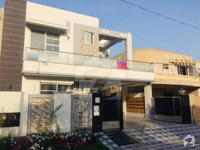 10 Marla Cost Price Luxury Bungalow For Sale Near Facing Park Hot Offer Near Commercial