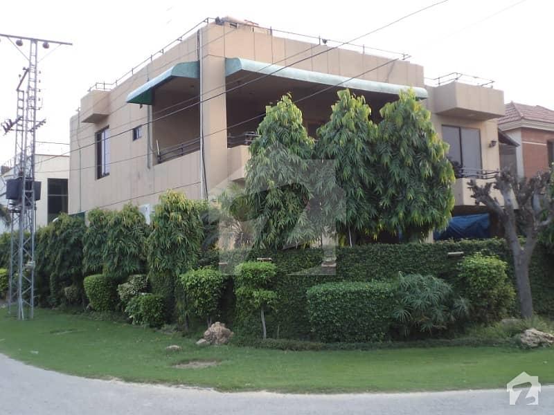 1 Kanal Corner House For Sale