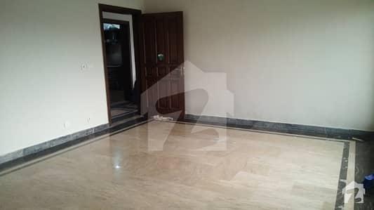 ایڈن سٹی - بلاک اے ایڈن سٹی ایڈن لاہور میں 2 کمروں کا 1 کنال بالائی پورشن 38 ہزار میں کرایہ پر دستیاب ہے۔