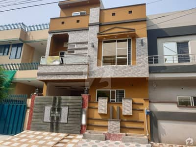 5 Marla Ultra Modern House Triple Storey Solid Construction Very Very Hot Location