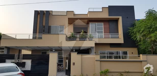 Double Unit Brand New Semi Furnished Designer Bungalow For Sale    Covered Area  6600 sq ft   Located in the best block of the society near park   7 Bedroom and 8 Bathrooms 2 jacuzzi porta  master fittings   2 Alley ways for excellent ventilation and cool