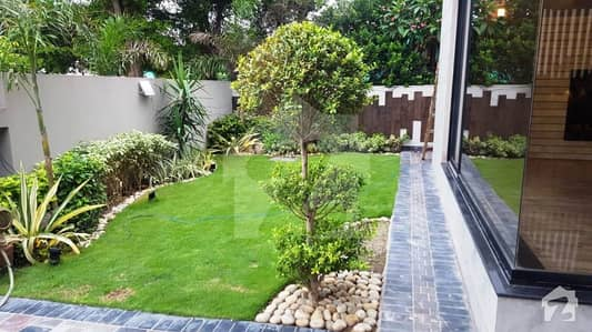 27 MARLA LOWER PORTION WITH HUGE LUSH GREEN LAWN