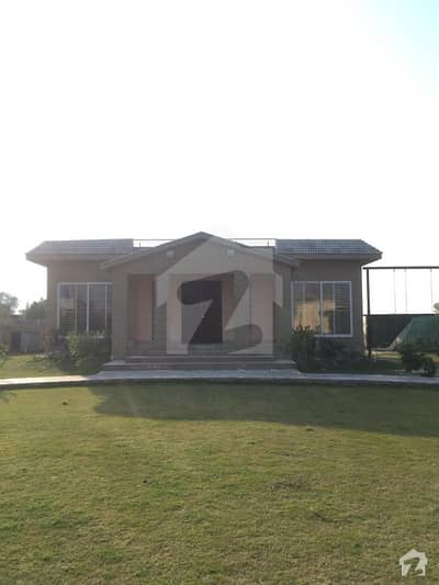 برکی روڈ کینٹ لاہور میں 4 کنال فارم ہاؤس 2.5 کروڑ میں برائے فروخت۔