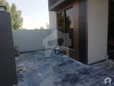 10 Marla Hot Location house on best Price in M  2a Lake City
