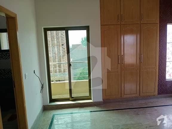گلبرگ 3 گلبرگ لاہور میں 3 کمروں کا 10 مرلہ بالائی پورشن 40 ہزار میں کرایہ پر دستیاب ہے۔