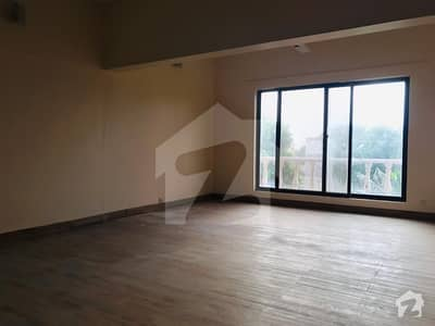 Sea View Apartment  2300 Sq Ft Extended Renovated Flat Is Available For Sale
