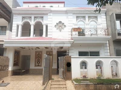 10 Marla Spanish Style House Hot Location Near Park Market Mosque And Main Boulevard