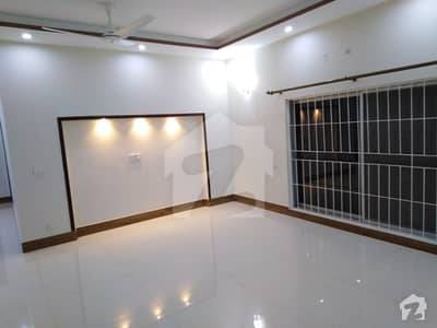 1 kanal upper portion for rent in state life housing society lahore phase 1 opposite to DHA phase 5